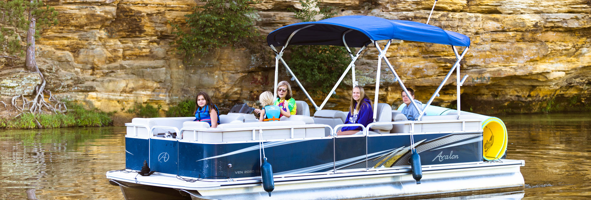 Avalon Pontoon Boat Rentals on Mirror Lake